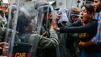 Diputados venezolanos se enfrentaron a la policía en Caracas por decisión del Tribunal Superior de Justicia