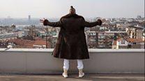 Неожиданный успех кандидата-пародиста в президентской гонке в Сербии