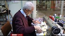 79 yaşındaki terzinin meslek aşkı