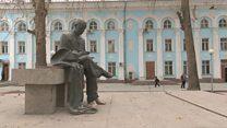شصت سال بعد از مرگ 'لاهوتی'؛ مردم تاجیکستان هنوز تولدش را جشن میگیرند