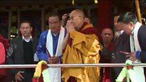 Dalai Latma được chào đón tại tu viện Tây Tạng