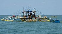 Tàu cá Philippines đánh bắt ở Scarborough