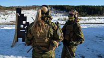 महिला सैनिकलाई कडा प्रशिक्षण