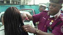 خاتون اہلکاروں کے بال کاٹنے پر افسر کے خلاف کارروائی