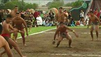 နှစ်ပေါင်း ထောင်နဲ့ချီပြီးစောတဲ့ ဘောလုံးကစားနည်း