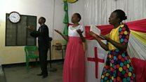 Tanzanie : des églises pour sourds-muets