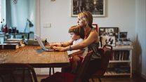 هل من نظرة دونية للمرأة غير العاملة؟