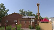 بالفيديو: ترميم مسجد صديق للبيئة في الإمارت