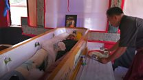 Жизнь с мертвыми: почему на Сулавеси долго не хоронят покойников