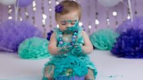 Ребенку год: устраивать ли разгром торта?