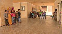 لاجئون سوريون يواجهون أزمة سكن مستمرة في مدن لبنانية