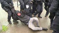 اشتباكات بين الشرطة الألمانية ومحتجين ضد تجمع لحزب يميني متطرف في كولونيا