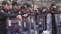 تركيا: الغاز المسيل للدموع لتفريق متظاهرين في اسطنبول