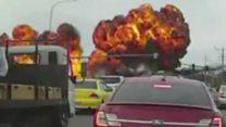 La espectacular colisión de una avioneta en la que su piloto sobrevivió