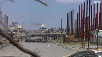 بي بي سي ترصد قصف القوات العراقية قناص داعش داخل مسجد في الموصل