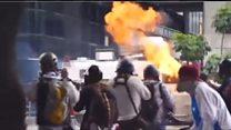 У Венесуелі броньовик наїхав на протестувальників