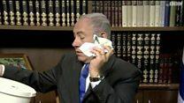 نتنياهو يلقي بوثيقة حماس في سلة مهملات