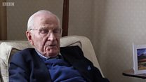 عمر 105 سال لیکن اب بھی کام میں مگن