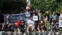 Puluhan pegiat di Jerman gelar unjuk rasa solidaritas kepada petani Kendeng