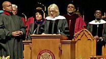 El momento en que abuchean a la Secretaria de Educación de Estados Unidos Betsy DeVos en la universidad negra Bethune-Cookman