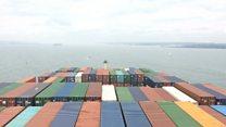 MOL Triumph sails in to Southampton