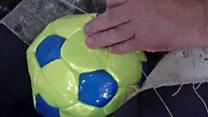 Los desafíos económicos de una fábrica de pelotas artesanales en Argentina