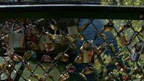 شهرداری پاریس قفلهای عشق را حراج میکند