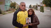 Los familiares que se convirtieron en expertos rastreadores en busca de los restos de miles de desaparecidos en México