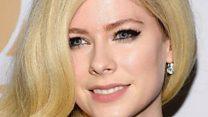 Lagi dan lagi, Avril Lavigne digosipkan meninggal dunia