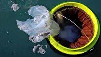 El ingenioso basurero que puede chupar la basura plástica del mar