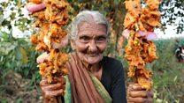 El encanto y los sabores de la abuela centenaria que cocina al aire libre y es una estrella en YouTube