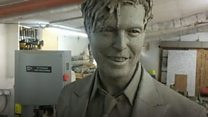 Superfan meets David Bowie sculpture