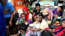 Philippine residents flee militants