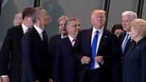 Трамп оттолкнул премьер-министра Черногории