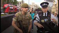 英国各地に陸軍配備 最高レベルの警戒