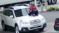 สาวอเมริกันใจเด็ด โดดเกาะฝากระโปรงขวางโจรชิงรถ