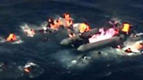 بالفيديو اندلاع حريق في زورق للمهاجرين