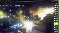 كاميرات المراقبة تلتقط لحظة تفجير إنتحاري في العراق