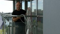 Розетка на 13-му поверсі: будні електромобілістів