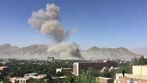 """Près de cent morts dans """"une explosion épouvantable"""" à Kaboul"""