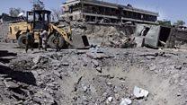 爆発攻撃で500人近く死傷 カブール中心部混乱