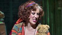 Hart 'won't read Annie reviews'