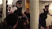 حمله لندن: پلیس وارد یک بار میشود