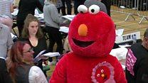 Elmo de candidato y otras curiosidades de las elecciones en Reino Unido
