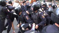 Акция протеста в Москве: жесткие задержания на Тверской
