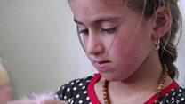 """كريستينا رهينة """"داعش"""" الصغيرة تعود إلى عائلتها"""