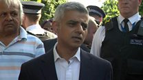 London mayor heckled at tower