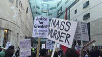 Массовые протесты в Лондоне после пожара в высотке