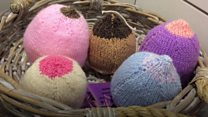 Woollen boobs promote breast feeding