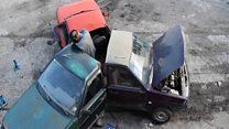 Russos fazem spinner gigante feito de carros